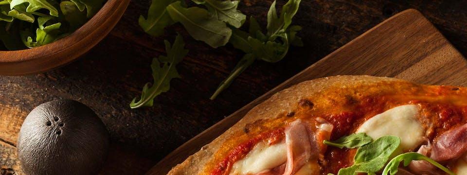 2 x duża pizza + 2 sosy  za 35 zł