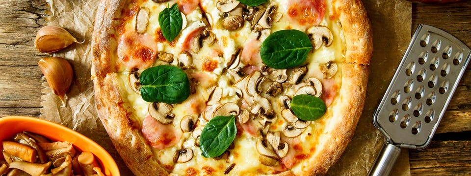 2 x pizza gigant + 2 sosy za 57 zł