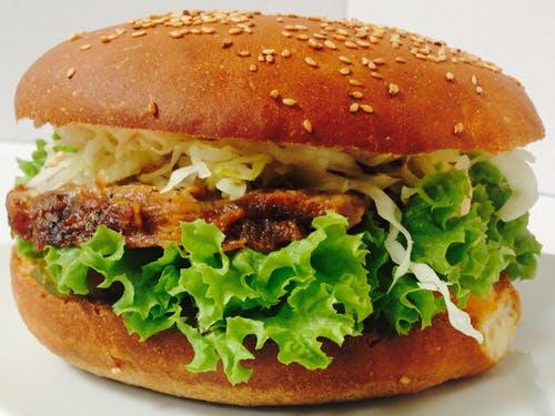 Burger z karkówki