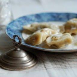 Pierogi ( kliknij  w CENĘ - wybierz porcję i dodatki)