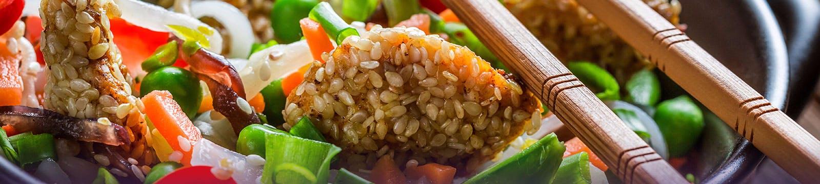 Nasi azjatyccy kucharze, <br>przeniosą cię w niezapomniany <br>świat tajskiej kuchni